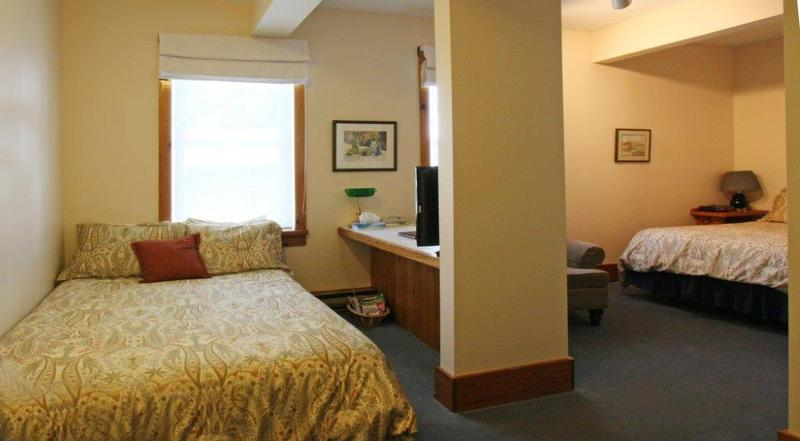 Guest Room with 2 Beds (Upstairs Rooms)